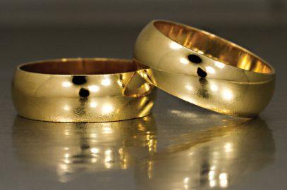 Noivado: aliança ou anel?