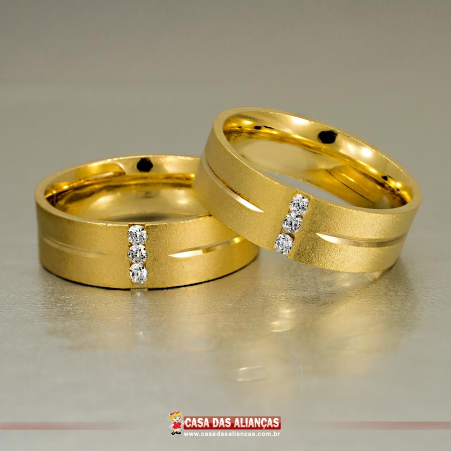 6c754aba1a0 Este modelo feito em ouro amarelo 18Kl conta com um acabamento fosco único