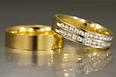 O diamante nas alianças